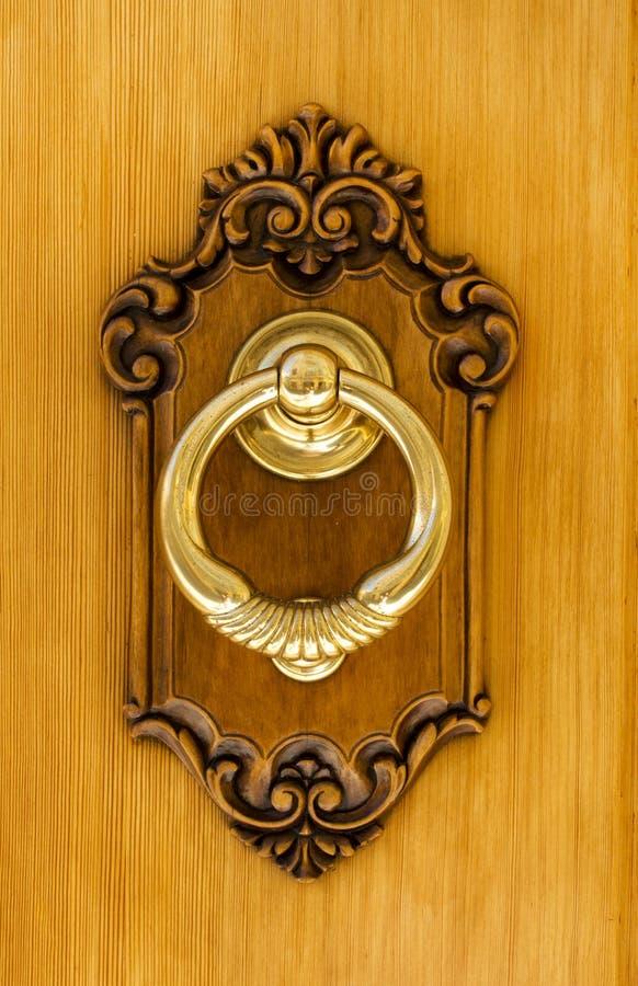 Autentyczny Hiszpański Mosiężny Drzwiowy Knocker obrazy stock