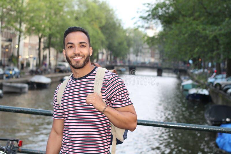 Autentyczny latino mężczyzna na na zewnÄ…trz zdjęcie stock