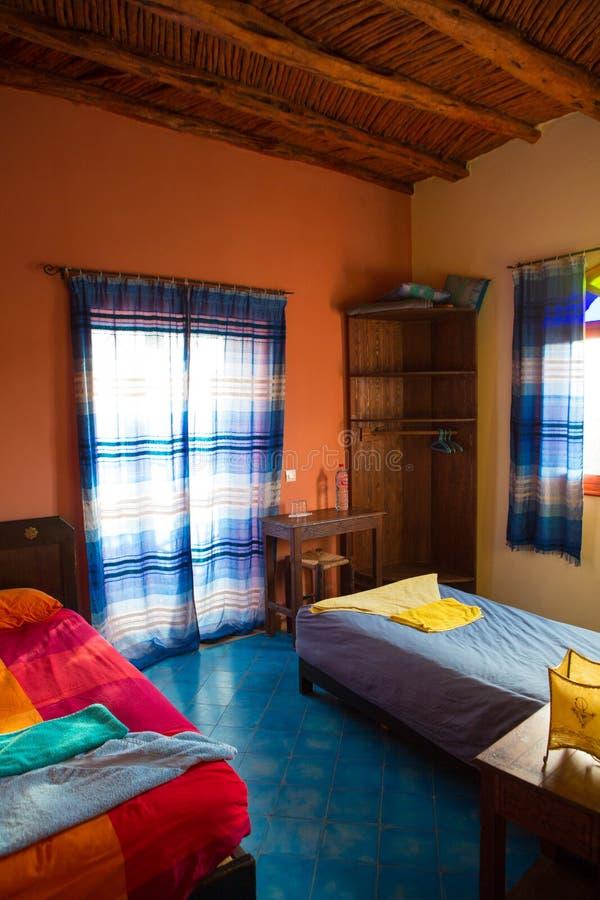 Authentieke Marokkaanse Slaapkamer In Traditionele Riad Stock Foto ...