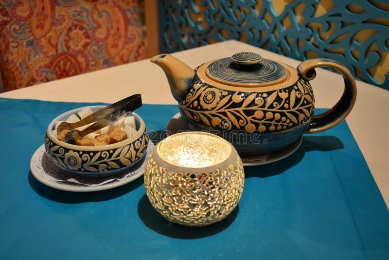 Authentischer Teesatz lizenzfreies stockfoto