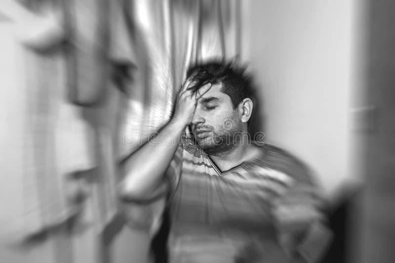 Autismo ed adulto di concetti di depressione giovane che soffre dal concetto psicologico di depressione o di autismo fotografia stock