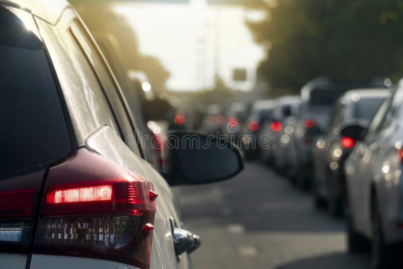 Auto auf der Straße mit Stau lizenzfreie stockfotografie