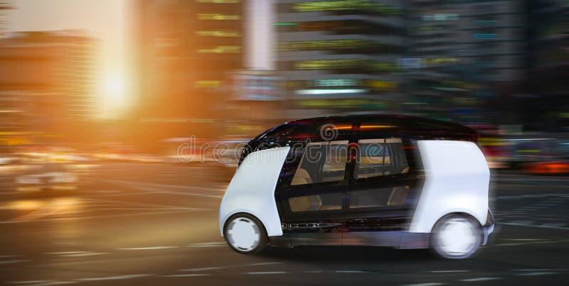 Auto autônomo que conduz o ônibus esperto fotografia de stock