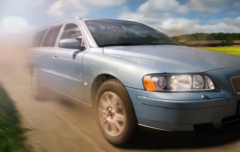 Auto in beweging stock afbeelding