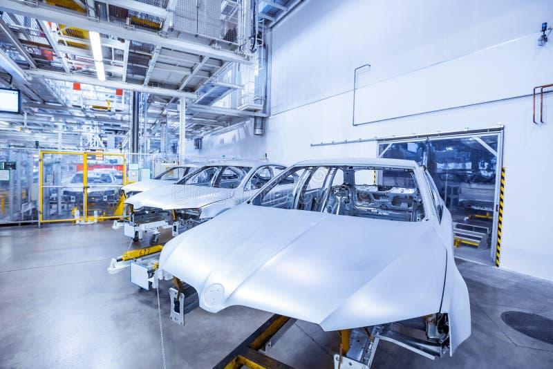 Auto-carrosserie in autofabriek royalty-vrije stock foto's