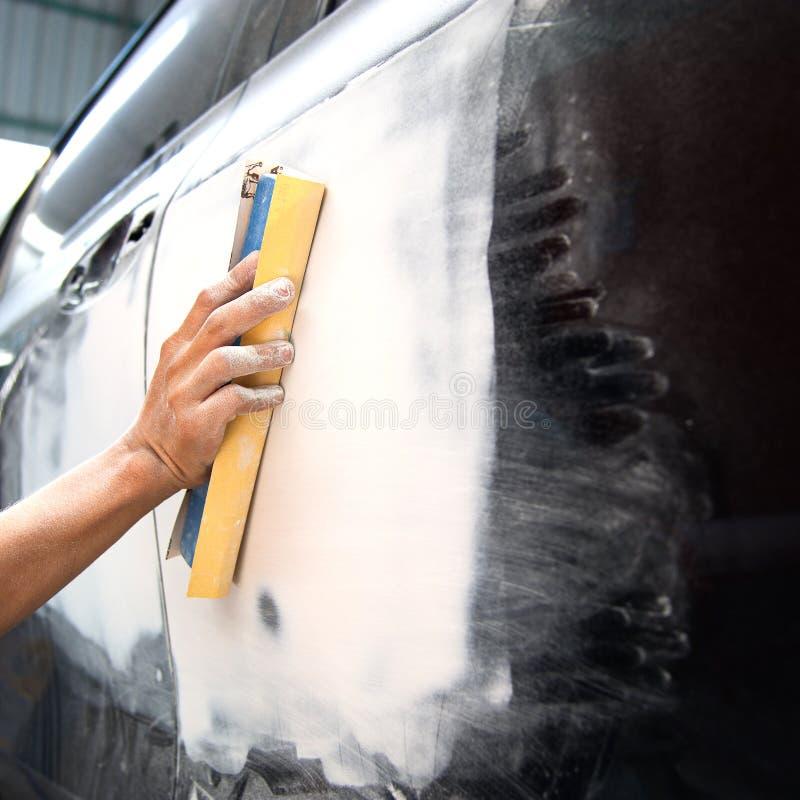 Auto de Reparatieverf van de autocarrosserie na het ongeval royalty-vrije stock afbeelding