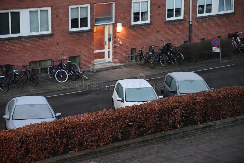Auto erly bedeckt mit Frost Dänemarks Wetter stockfotos