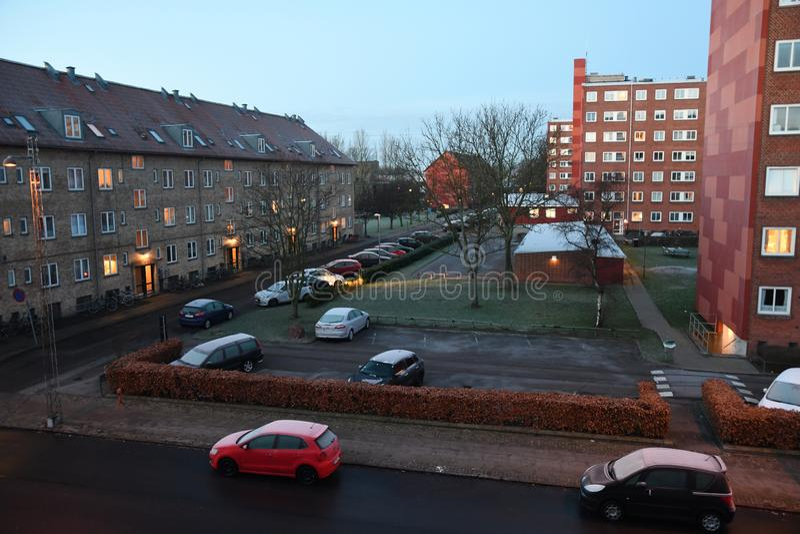Auto erly bedeckt mit Frost Dänemarks Wetter lizenzfreies stockbild