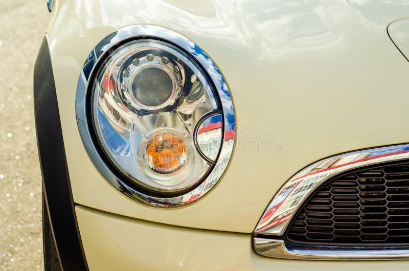 Auto hoofd licht wit beige royalty-vrije stock fotografie