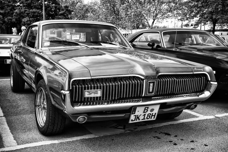 Auto Mercury Cougar (Schwarzweiss) stockfotografie