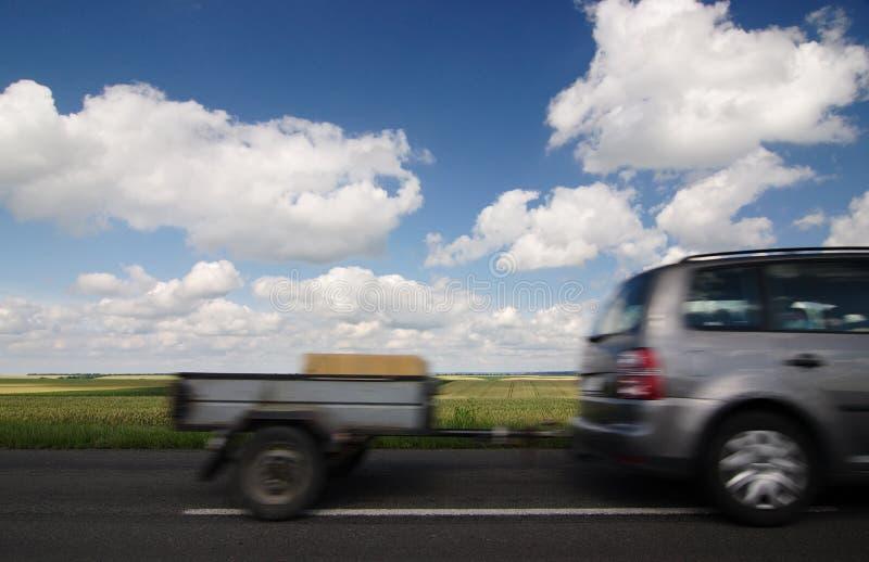 Auto met aanhangwagen royalty-vrije stock afbeeldingen