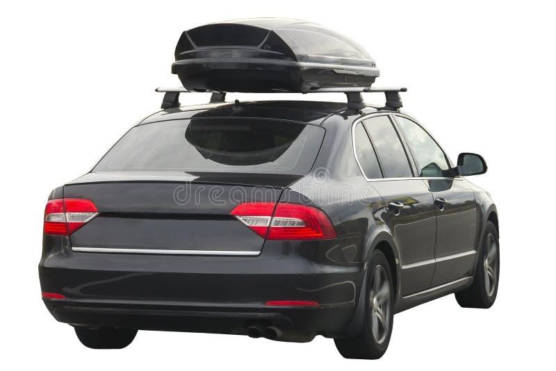 Auto mit dem Dachgepäck-Kastenbehälter für Reise lokalisiert auf Weiß stockfotografie