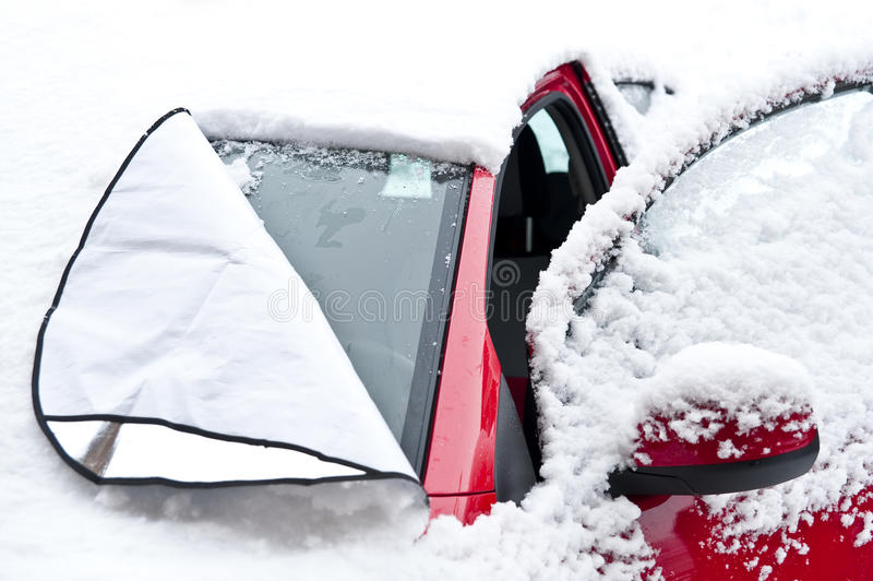 Auto mit Frostschutzplan stockfotos