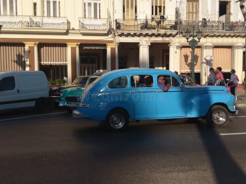 auto, motorvoertuig, medio grootteauto, voertuig, familieauto, uitstekende klassieke auto, royalty-vrije stock foto