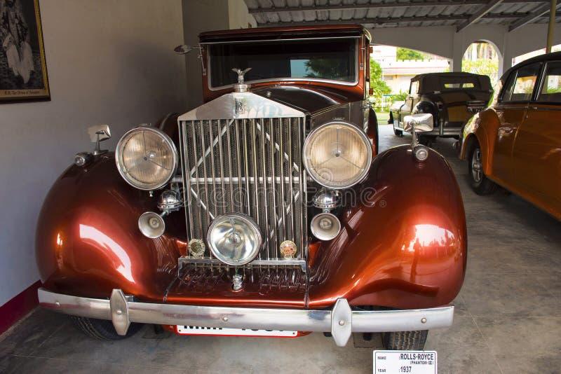 AUTO MUSEU do CARRO do VINTAGE do MUNDO, AHMEDABAD, GUJARAT, ÍNDIA, o 13 de janeiro de 2018 Rolls Royce, fantasma - modelo III 19 imagem de stock royalty free