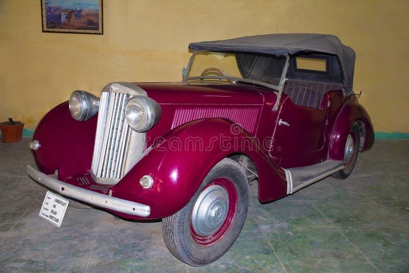 AUTO MUSEUM för VÄRLDSTAPPNINGBIL, AHMEDABAD, GUJARAT, INDIEN, 13 Januari 2018 SolstråleTalbot 1946 modell royaltyfria bilder