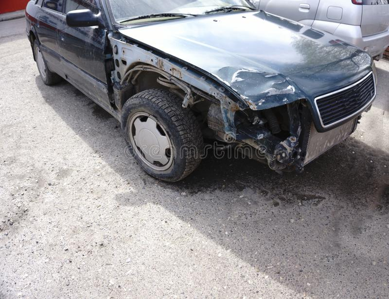 Auto na een ongeval apart royalty-vrije stock afbeelding