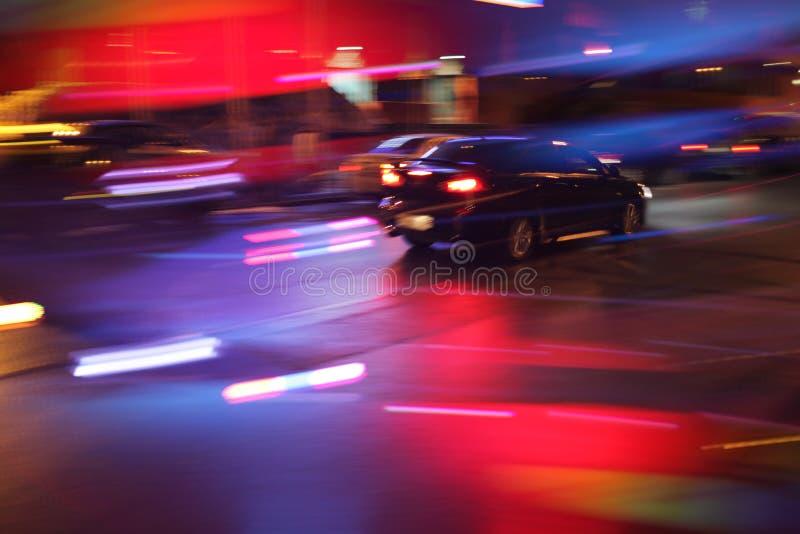 Auto am nigt stockfotografie