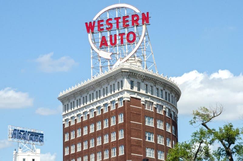 Auto ocidentais icônicos assinam dentro Kansas City do centro fotos de stock royalty free