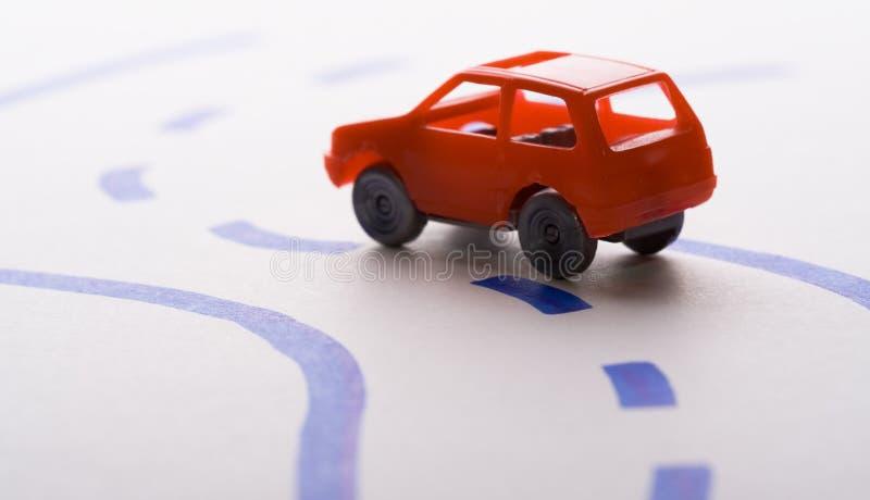 Auto op de weg - op een reis stock afbeeldingen