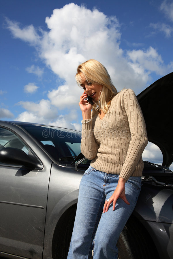 auto problemkvinna arkivbild