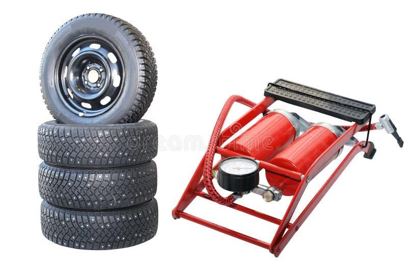 Auto-Räder und Pumpe stockbilder