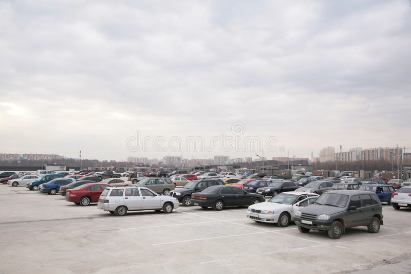 Auto's op parkeren stock foto