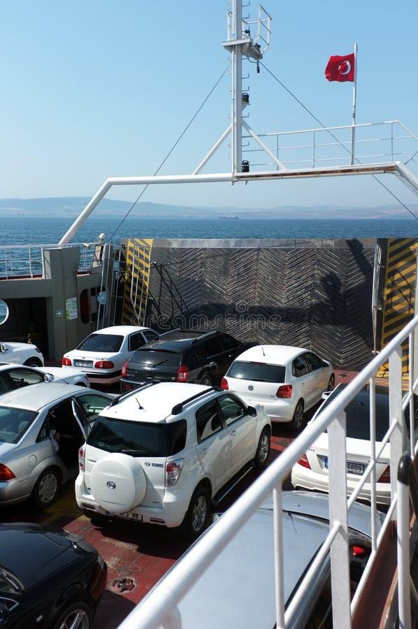 Auto's op veerboot royalty-vrije stock afbeelding