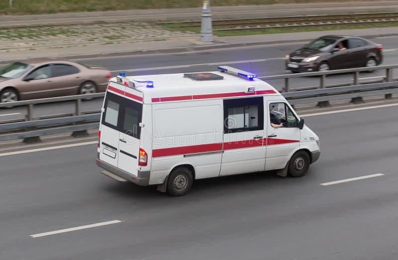 Auto van een medische hulp bij noodgevallen royalty-vrije stock afbeelding
