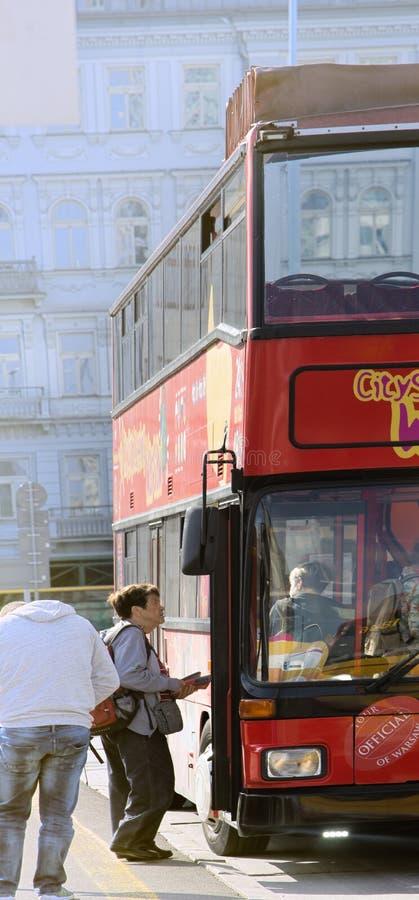 Autobús de dos pisos de Warshaw para los viajes de la ciudad imagen de archivo libre de regalías