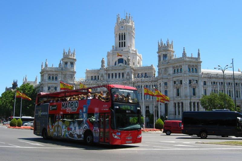 Autobús de dos plantas turístico en Madrid, España foto de archivo libre de regalías