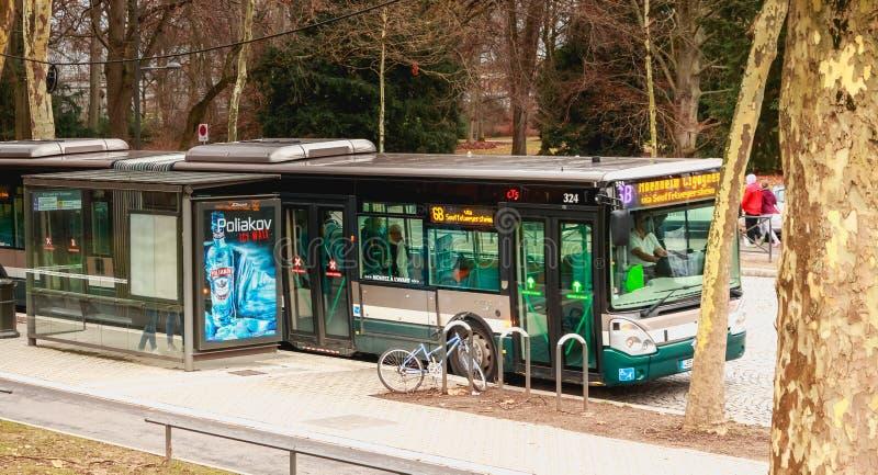 Autobús de la compañía del transporte público de Estrasburgo imágenes de archivo libres de regalías