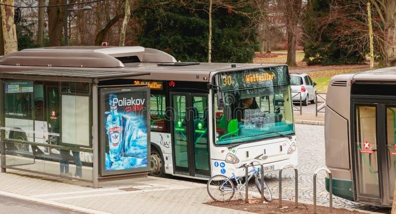 Autobús de la compañía del transporte público de Estrasburgo imagen de archivo
