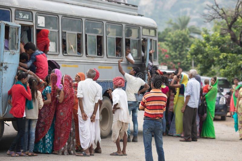 Autobús de la sobrecarga fotos de archivo