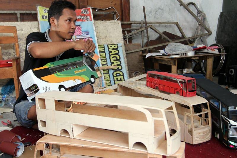 Autobús de madera del juguete imágenes de archivo libres de regalías
