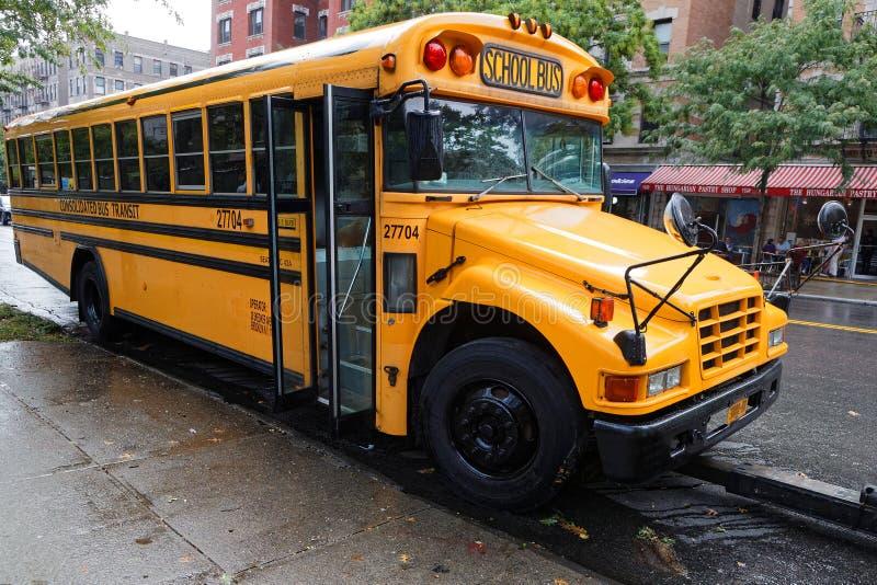 Autobús escolar en Harlem imagenes de archivo