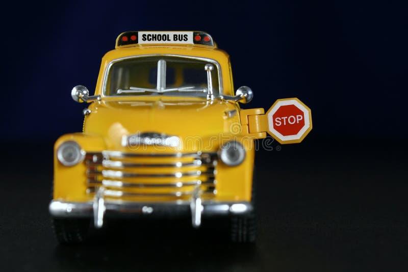 Autobús escolar viejo foto de archivo