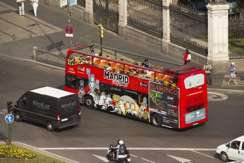 Autobús turístico en Madrid, España fotografía de archivo libre de regalías
