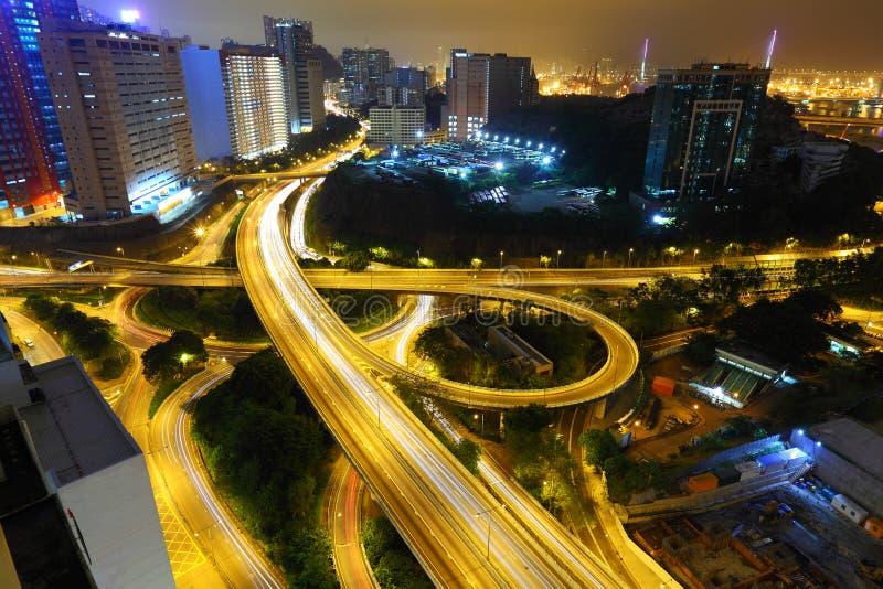 Autobahn in der Nacht stockbild