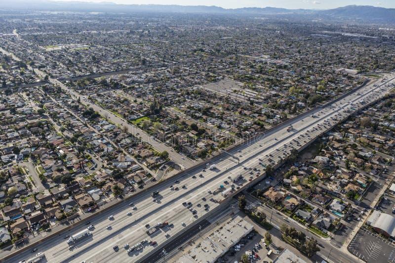 Autobahn des Goldstaat-5 in San Fernando Valley lizenzfreie stockbilder