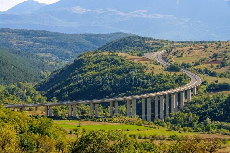 Autobahn Gran Sasso in Abruzzo stockbild