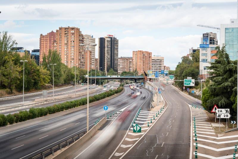 Autobahn M30 in Madrid ein bewölkten Tag lizenzfreies stockfoto