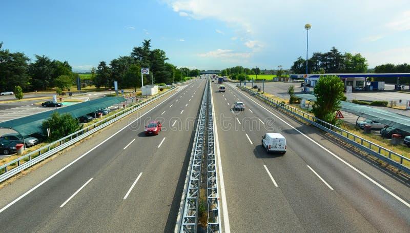 A7 Autobahn Milan Genoa Ansicht vom autogrill Dorno Italien lizenzfreie stockbilder