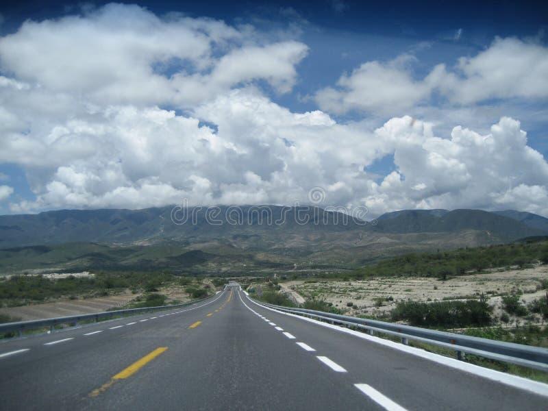 Autobahn Puebla nach Oaxaca stockbild