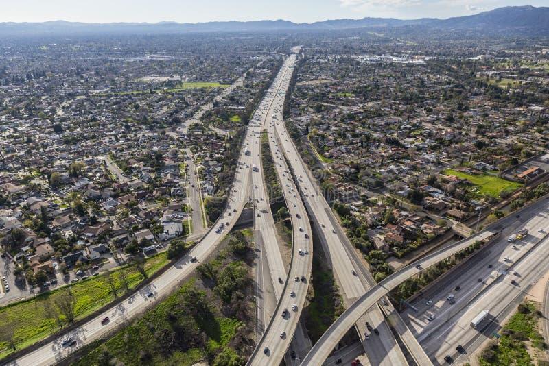 Autobahn Sans Fernando Valley 118 in Los Angeles lizenzfreie stockfotos