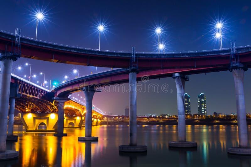 Autobahn in Seoul lizenzfreie stockbilder