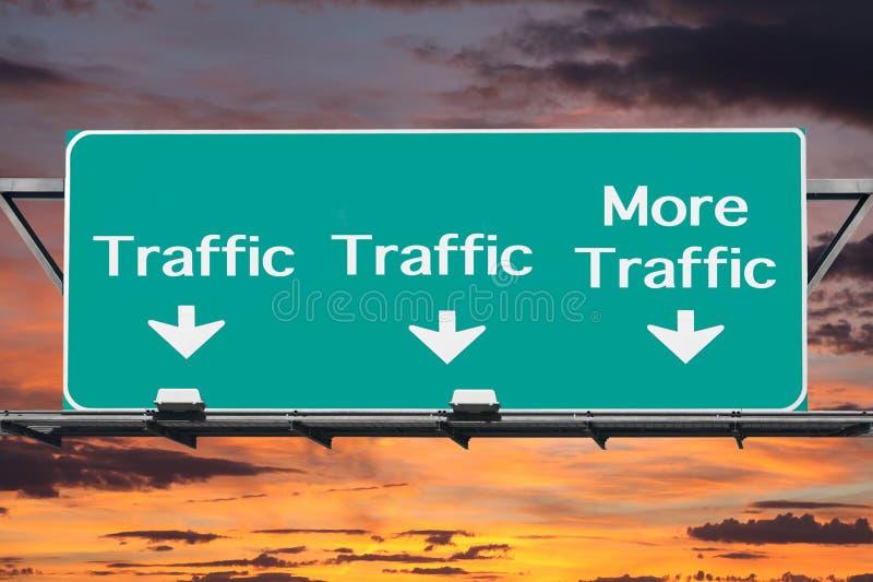 Autobahn zu mehr Verkehrs-Verkehrsschild stockbilder
