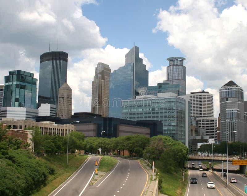 Autobahneingang zur Stadt von Minneapolis, Minnesota stockbild