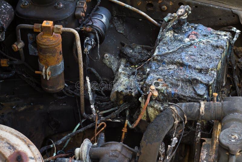 Autobatterie-Brandschaden stockfoto