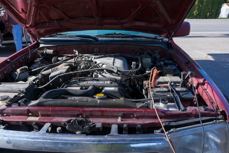 Autobatterie-Ladegerät-Aufladungsfahrzeug stockbilder